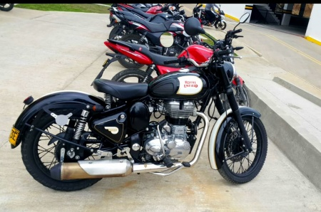 2016 Royal Enfield Classic 500 color